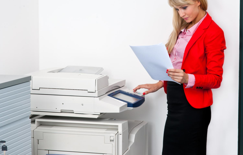 employee who prints paper